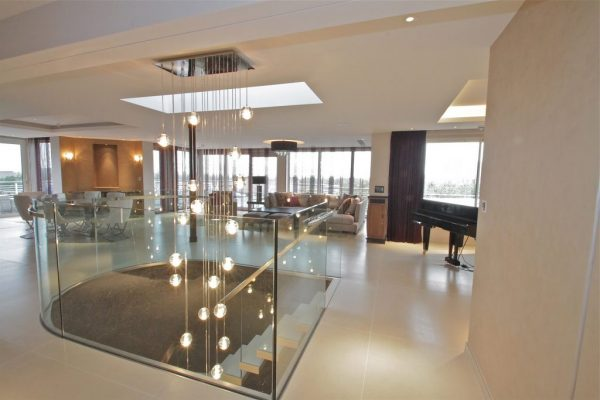 Signia Turn Key - Mayfair apartment